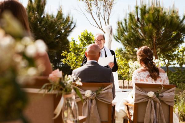 Erlebt eine freie Zeremonie direkt im Garten der Finca Antonia