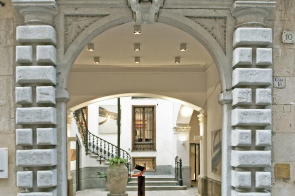 Die Location verfügt über 500qm verteilt auf 4 Stockwerke und bietet Platz für bis zu 200 Gästen