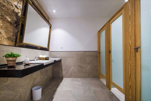 Modernste Waschräume im Dinnersaal als auch angrenzend an der Partyzone
