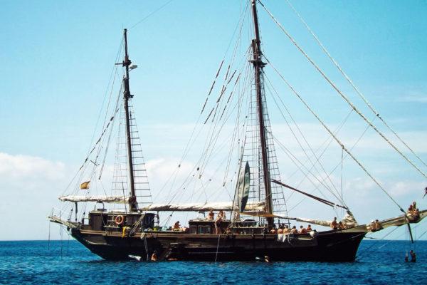 Das älteste aktive Segelschiff Spaniens verfügt über eine Kapazität von 60 Gästen