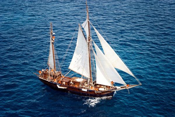 Das Meer neu erleben & entdecken auf einem 30m langen Segelboot