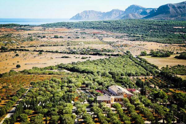 Die Finca liegt traumhaft ruhig im Nordosten zwischen Can Picafort und Artá. Die Bucht von Alcúdia ist nur 4 km entfernt.
