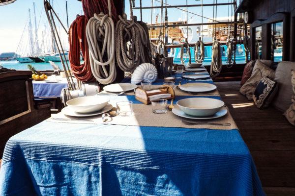 Feiern auf hoher See mit mallorquinischer Dekoration, ein Traum!