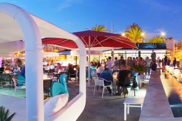 Ein Rausch aus Farben direkt am Meer und bei der City von Palma gelegen - genialer Spot für Euer Event