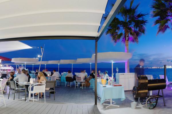 Ihr wünscht ein spezielles Dinner unter Freunden, ein Get Together in einer exklusiv für Euch reservierten Zone oder den kompletten Beach Club in Exklusivität für Euer unvergessliches Event? Hier ist ALLES möglich!