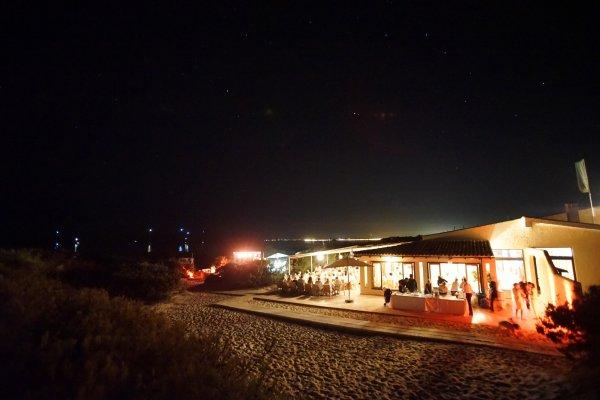 Der Sternenhimmel von Mallorca bietet das perfekte Lichtambiente für Euer Event am Dünenstrand von Mallorca
