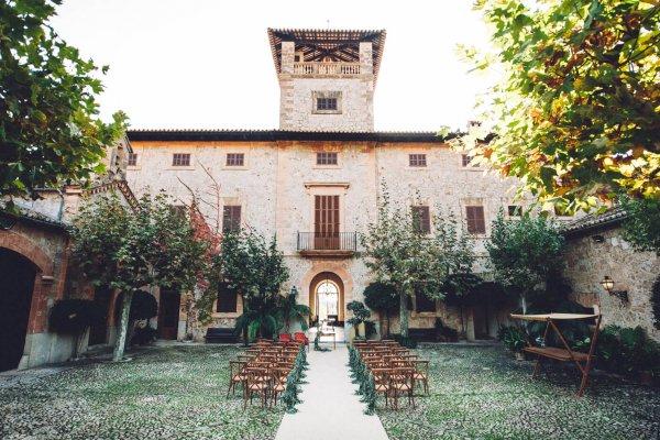 """Die Finca Loreina bietet nicht """"nur"""" eine beeindruckende Terrasse, einen romantischen Magic Circle sondern auch noch diesen hübschen Naturpatio"""