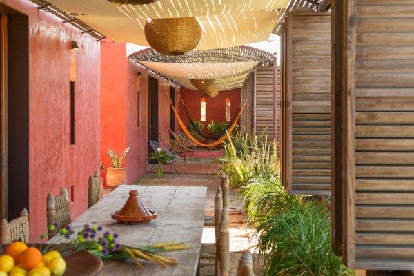 Die Terrasse erstreckt sich über die gesamte Breite der Finca Oasis und bietet für Eure Feier viele Möglichkeiten, wie Lounge, Dinner oder Dance...