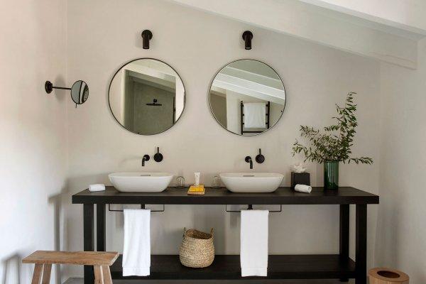 Das stylische Badezimmer in der Junior Suite