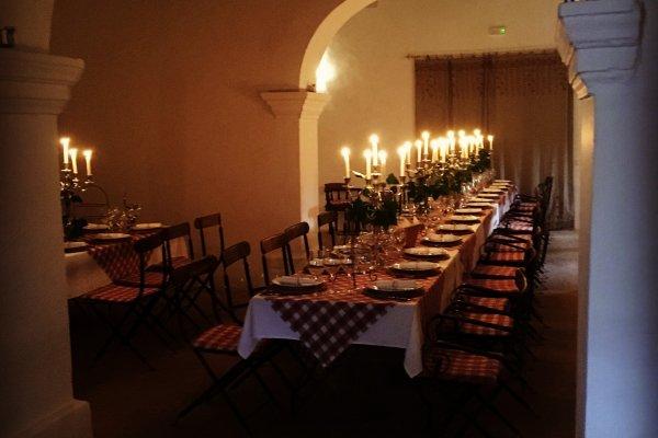 Romantische Atmosphäre bei Kerzenschein